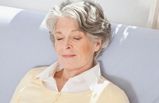 老年人应当怎样选取适合的枕头~